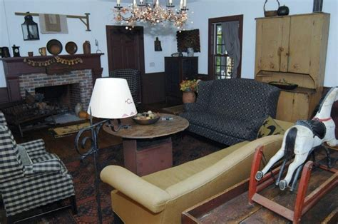 colonial living room furniture 44 best primitive colonial living rooms images on pinterest primitive living room primitive