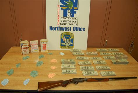 Ct Gov Warrant Search Despp State Statewide Narcotics Task Makes Arrests Seizes Pills Money
