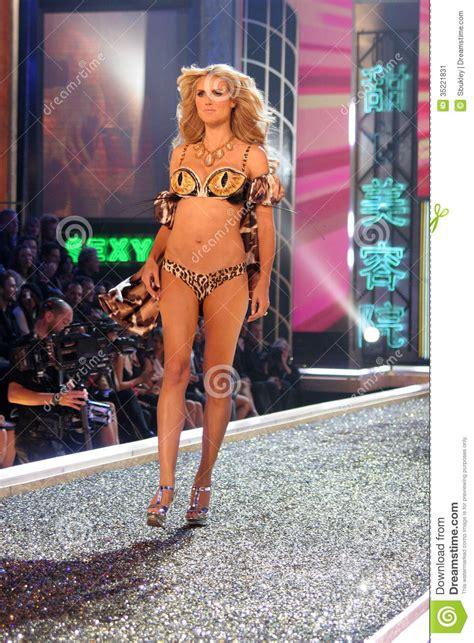 12th Annual Victorias Secret Fashion Show by Heidi Klum S Secret Editorial Photo Image 35221831