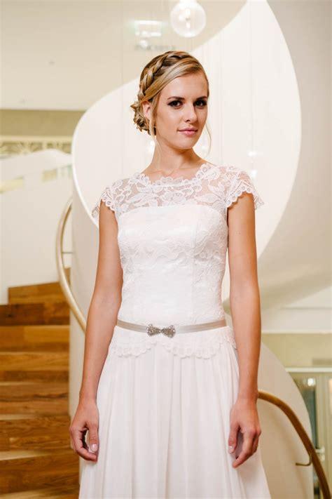 hochzeitskleid vintage kurz vintage hochzeitskleid mit fl 252 gelarm spitzencorsage mehr