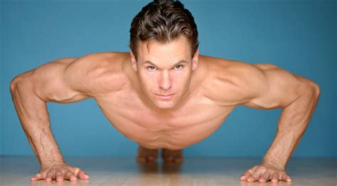 how to get my bench press up fast chest and triceps training plyo push up variations chest exercises muscle fitness