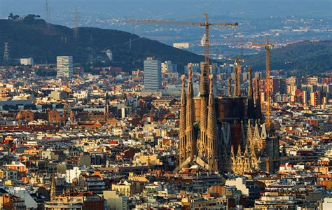 barcelona best attractions 11 top tourist attractions in barcelona planetware