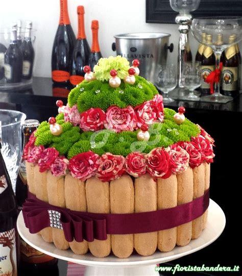 torta con fiori freschi torta per compleanno realizzata con fiori freschi e