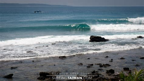surfing taiwan south coast taiwan surf images