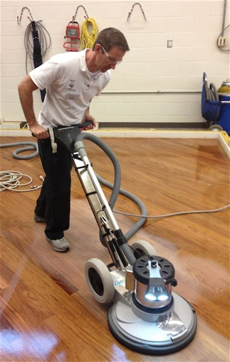 Kitchen Fitters Tools by Hardwood Flooring Repair Refinishing In Ta Florida