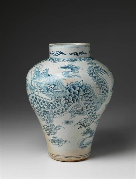 Korea White korea blue white porcelain jar with joseon