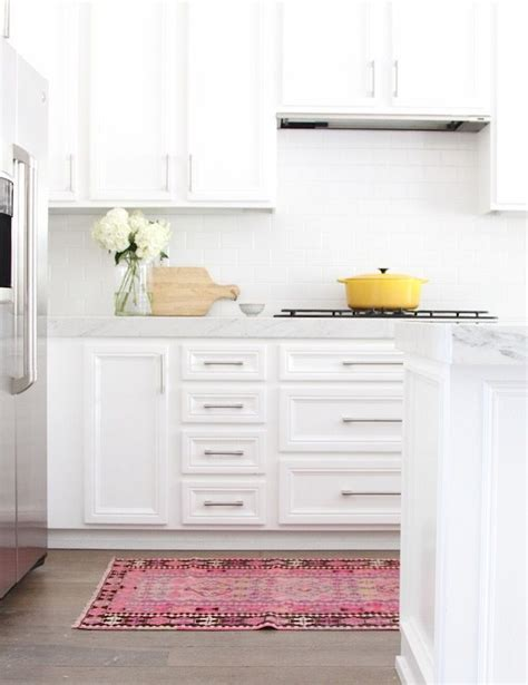 Kitchens With Rugs by 25 Best Ideas About Kitchen Runner On Kitchen