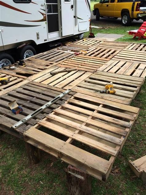diy pallet deck ideas and instructions pallets decking