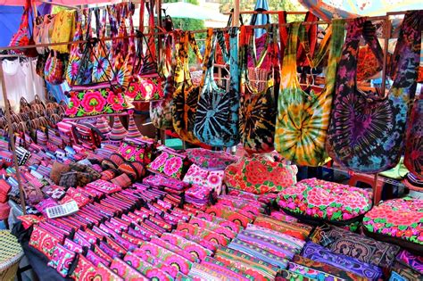 batu feringghi night market  penang shopping  penang