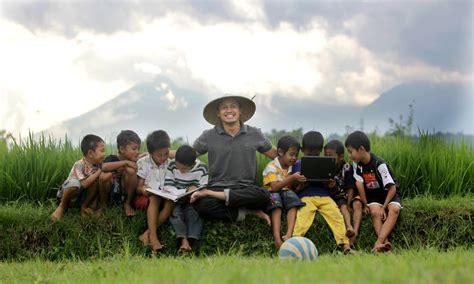 Membangun Kemandirian Desa desa membangun media berbagi dalam desa membangun