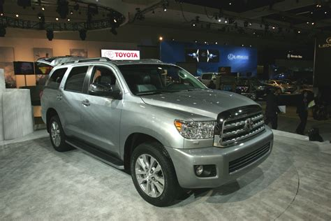 2008 Toyota Sequoia Towing Capacity Whats New On A 2014 Toyota Sequoia Autos Weblog