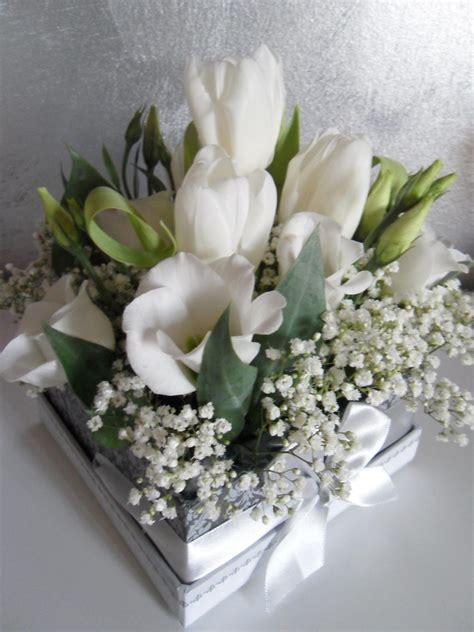 centrotavola fiori finti le cose di lini centrotavola e segnaposti con i fiori