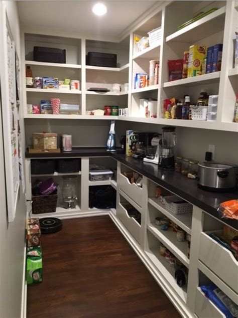 Walk In Kitchen Pantry Design Ideas Best 25 Walk In Pantry Ideas On Pinterest Pantry Pantry Room And Pantry Design