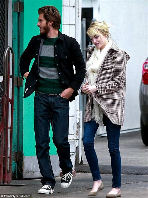 emma stone daily mail emma stone and andrew garfield prove that they ve still