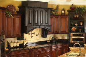 kitchen decorating ideas with accents vintage kitchen cabinets decor ideas and photos