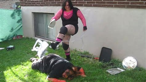female backyard wrestling miniak c vs eliza raven chw chionship female