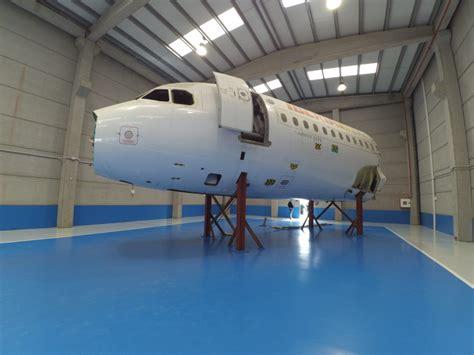 cabina a320 brokair integrar 225 un simulador de vuelo de simloc en su