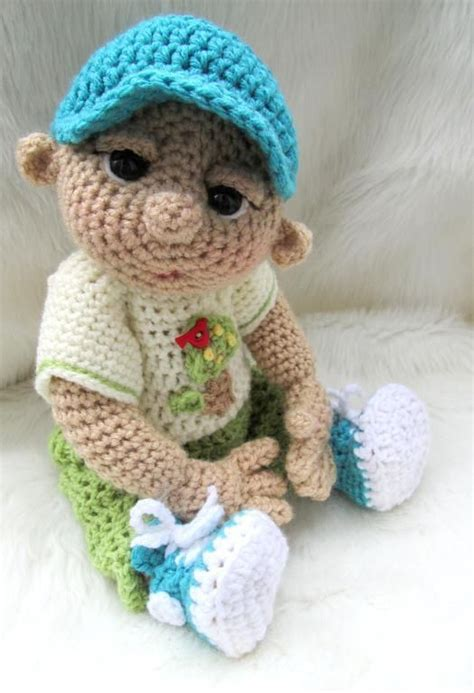 cute doll pattern love to do this with scraps from baby so cute baby doll play wear set dukker h 230 klet og