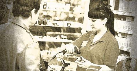 retail cashier description