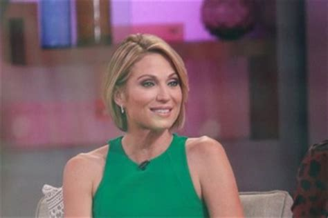 short hiarcuts like amy robachs amy robach celebrities visit good morning america