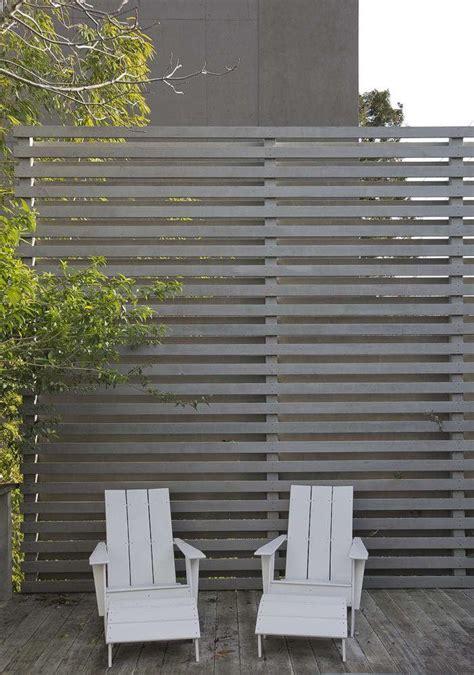 fence fashion  ways  add curb appeal  horizontal