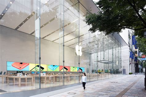 apple omotesando 開放感溢れるapple store表参道 ケヤキの樹の下で初公開 macfan