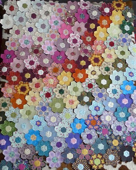 Patchwork Hexagon Patterns - 25 best ideas about hexagon patchwork on