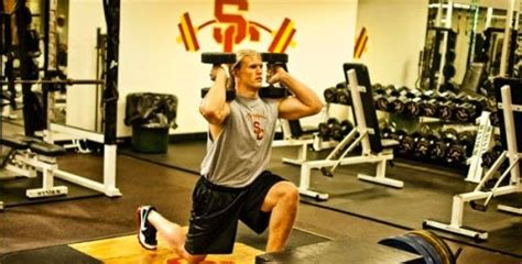 clay matthews bench press clay matthews workout routine and diet plan muscle world