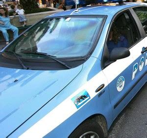 questura di napoli ufficio immigrazione via galileo ferraris 131 raid di extracomunitari contro agenti venti poliziotti