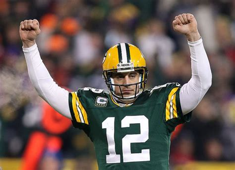 aaron rodgers of green bay packers defends leadership style awarding the qb chionship belt for every modern nfl season