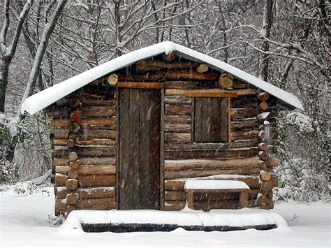 build a small log cabin simple log cabin small log cabins diy small cabins