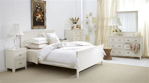 White And Wood Bedroom Furniture by Distressed White Bedroom Furniture Raya Furniture