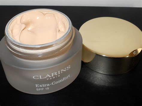 clarins foundation extra comfort clarins extra comfort foundation review and swatches rave