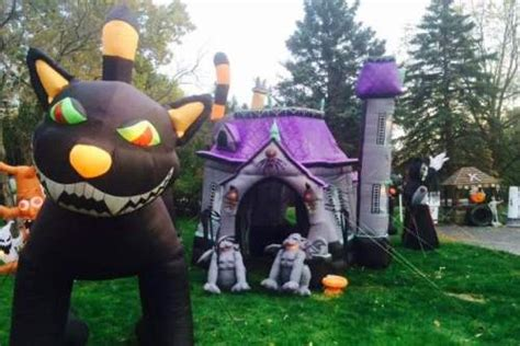 up yard decorations must see displays in northeast ohio