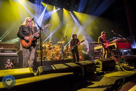 gov t mule guests honor musicians who died in 2016 on gov t mule honor free at netherlands halloween show with