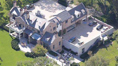 tom brady s new house inside the 10 incredible mansions of nfl quarterbacks