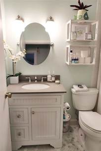 ideas for a bathroom 25 best ideas about small bathrooms on