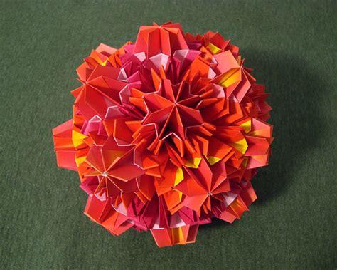 Origami Sea Urchin - sea urchin kusudama this came from the tomoko fuse