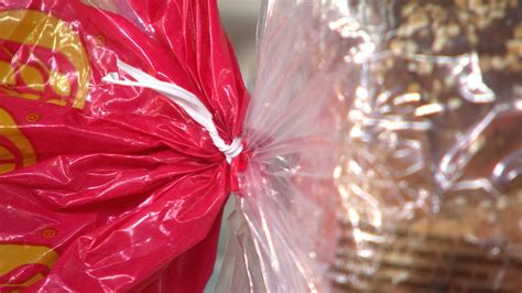 bread color ties here s why bread bag twist ties come in different colors