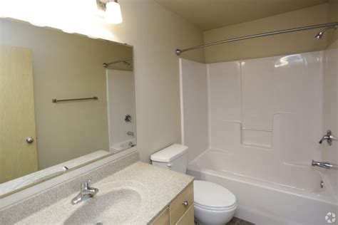 1 Bedroom Apartments In Grand Forks Nd by Steeples On 36th For Lease In Grand Forks 2 Bedroom And 3