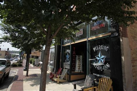tattoo shops downtown two parlors planned in elgin one meets opposition