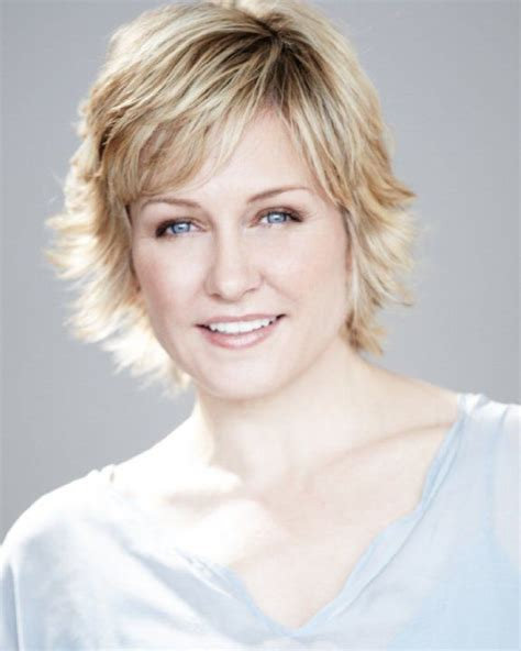 linda from blue bloods haircut les 25 meilleures id 233 es de la cat 233 gorie amy carlson sur