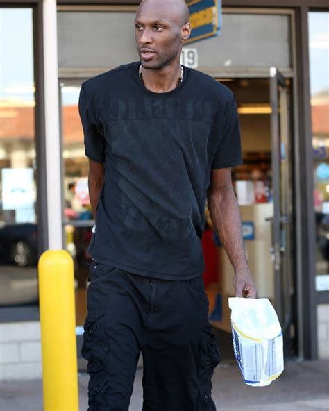 Leaves Rehab by Lamar Odom Leaves Rehab After 1 Day Checked Out Of