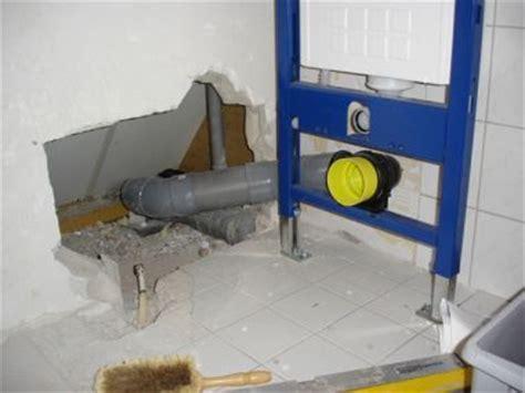 afzuiging badkamer lekt hoek afloop toilet afvoer