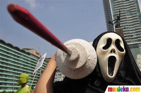 narkoba di film lucy foto demo aksi perangi narkoba di bundaran hi merdeka com