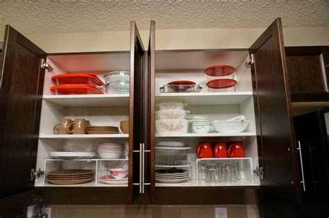 How To Organize A Kitchen Cabinets | we love cozy homes how to organize kitchen cabinet shelves