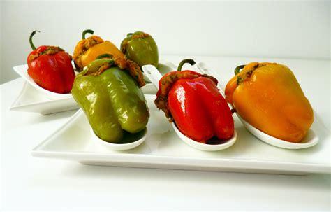 cuisiner un poivron mini poivrons farcis la recette facile par toqu 233 s 2 cuisine