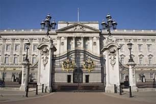 bukingham palace royal london tour and visit inside buckingham palace