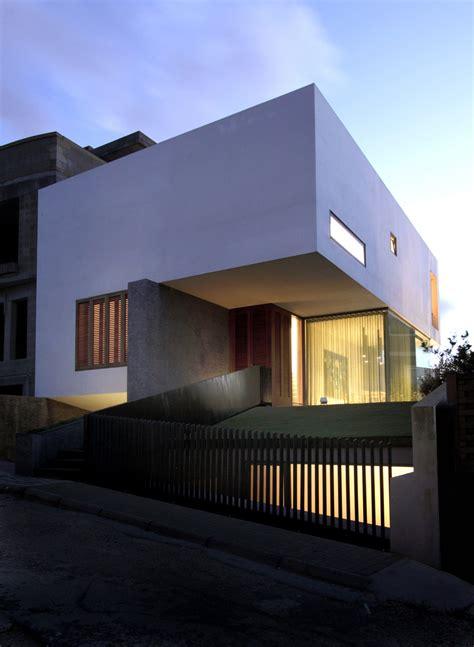 design house malta hanging home in naxxar malta by chris briffa architects