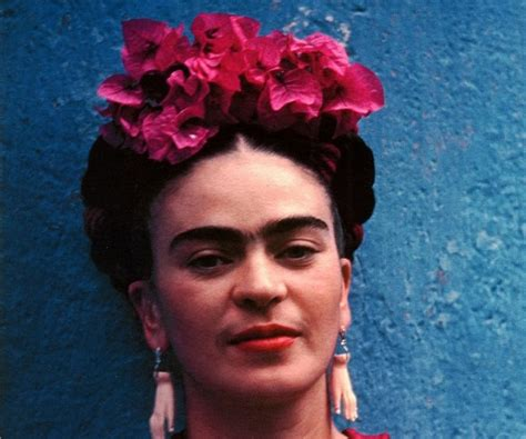 biography of a famous hispanic person frida kahlo biography childhood life achievements